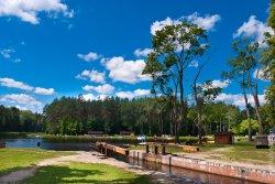 В районе Августовского канала возводится турбаза «Лукоморье»