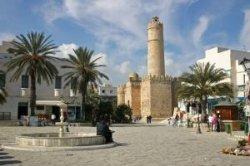 Тунис отменил режим ЧП на курорте Суса