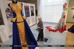 В Минске открылась выставка шедевров китайского традиционного ткачества и вышивки XIX—XXI веков