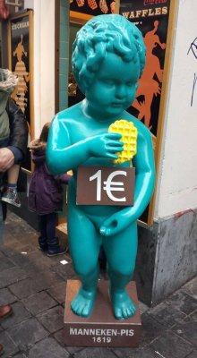 TOURPOST: «Брюссель — город шоколада, картошки фри, вафель, пива, граффити и писающего мальчика»