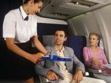 Регулярные рейсы авиакомпаний приобретают черты рейсов лоукостеров