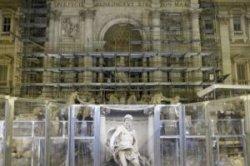 После реставрации открывается фонтан Треви в Риме