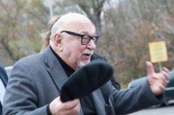 Как встречали на пограничном переходе «Варшавский мост» известного польского режиссера Ежи Хоффмана
