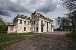 Бизнесмен из Иордании купил дворец в Ивьевском районе
