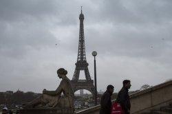 В Париже закрыты знаковые туристические места: Эйфелева башня, музей Орсе, Диснейленд