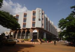 Боевики захватили заложников в гостинице Radisson в Мали