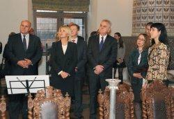 Президент Сербии Томислав Николич в рамках визита в Беларусь посетил замковый комплекс «Мир»