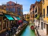 В Венеции высохли каналы, навигация затруднена