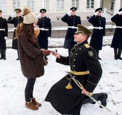 Необычное предложение на площади перед Президентским дворцом