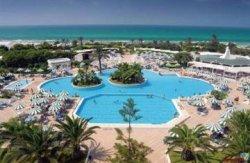 В Тунисе закрылось до 50% отелей