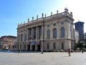 Центр Милана стал пешеходным