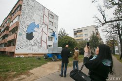Минское граффити с черно-белым мальчиком вошло в список лучших в мире за 2015 год