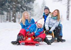 На выходных: пешеходные экскурсии по Минску, «Спяваем Мулявіна разам», праздник вегетарианцев и много снега
