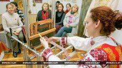 Новые узоры украсят самый длинный в Беларуси купальский пояс