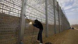Тунис обезопасил туристов стеной