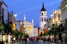 Власти Вильнюса предлагают брать с туристов «налог на подушку»