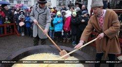 Гости из Литвы превратили Масленицу в Витебске в кулинарное шоу