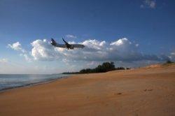 Туристов просят помочь в уборке пляжей Пхукета