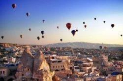 Каппадокия – лучшее место в мире для свадеб и медовых месяцев