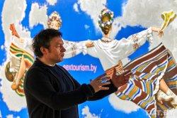 На выставке эпатажного Руслана Вашкевича будет представлено полотно под названием «sextourism.by»