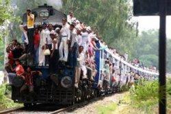 В индийском поезде начинают работать проводницы и Wi-Fi