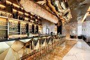 В Дубае открывается золотой бар