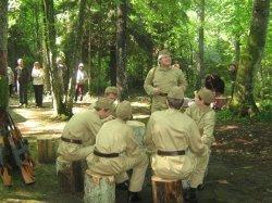 Посетители музея «Хованщина» проживут один день в партизанском отряде