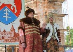 Любители рыцарских турниров собрались на фестивале «Гольшанский замок»