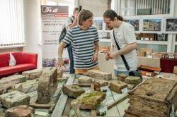 В Бресте проходит первая в Беларуси выставка старинного кирпича, кафеля и черепицы