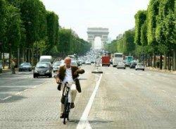 На Елисейских Полях появятся велодорожки