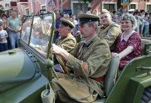 TOURPOST: Брест тихо превращается в город для военных карнавалов умершего СССР?