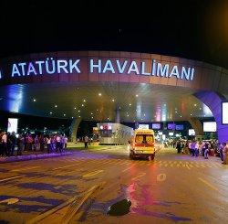 Во время взрыва в аэропорту Стамбула белорусы не пострадали