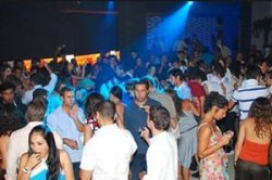 Барселона закроет дискотеки на побережье?
