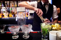 Лучшие коктейльные бары Барселоны
