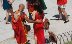 «Липовые» гладиаторы оккупировали Рим