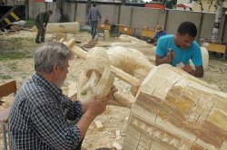 Деревянные скульптуры украсят старинные улицы Мстиславля