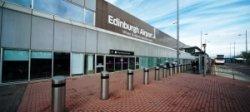 В аэропорту Эдинбурга  можно пройти паспортный контроль без очереди