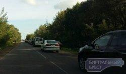 Нововведение на границе: в Бресте граница пустая, зато собираются очереди в электронную очередь