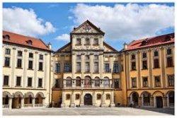 Изменилось время работы дворцового ансамбля и ратуши в Несвиже