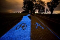 В Польше появилась светящаяся велосипедная дорожка