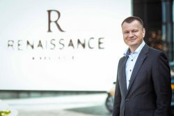 13 октября генеральный менеджер «Ренессанс Минск Отель» Йеспер Францл устраивает прощальный прием