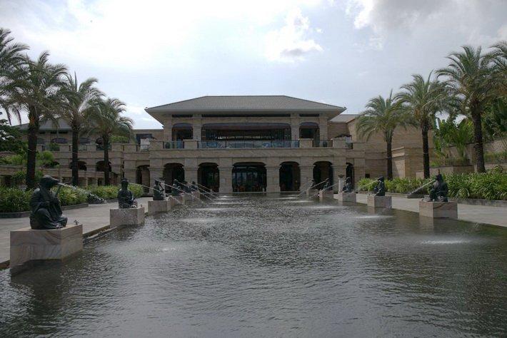 Отель Conrad из империи Hilton