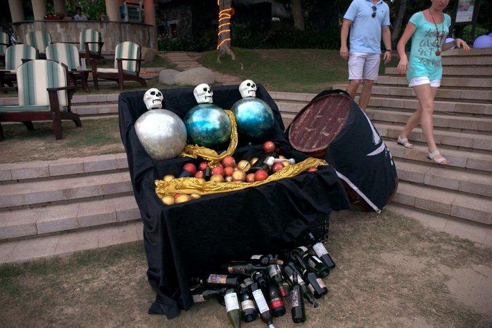 Пиратский вечер в отеле Sheraton Sanya Resort