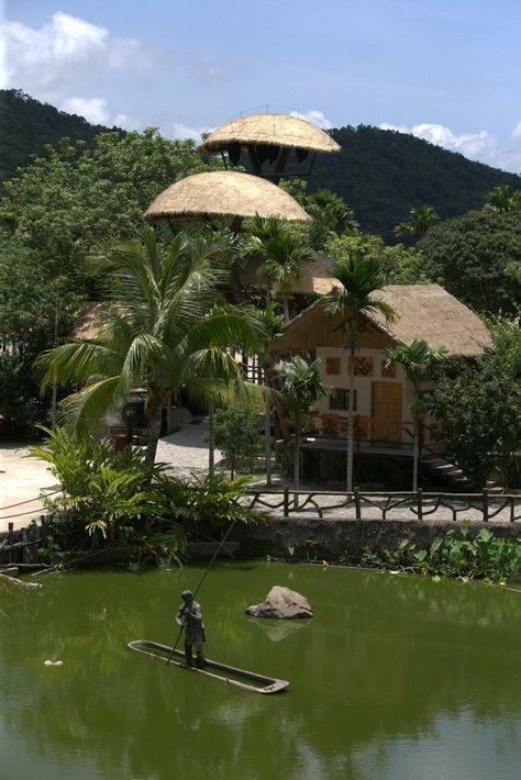 Декоративный бассейн в Sanya Marriott Resort & Spa Hotel