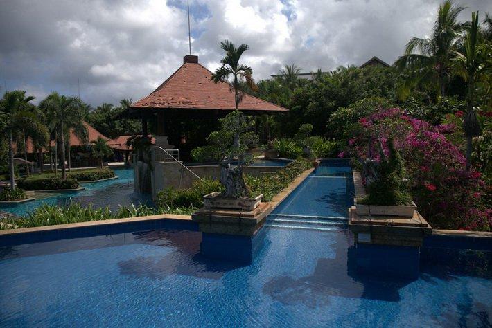 Бассейны в Sanya Marriott Resort & Spa Hotel
