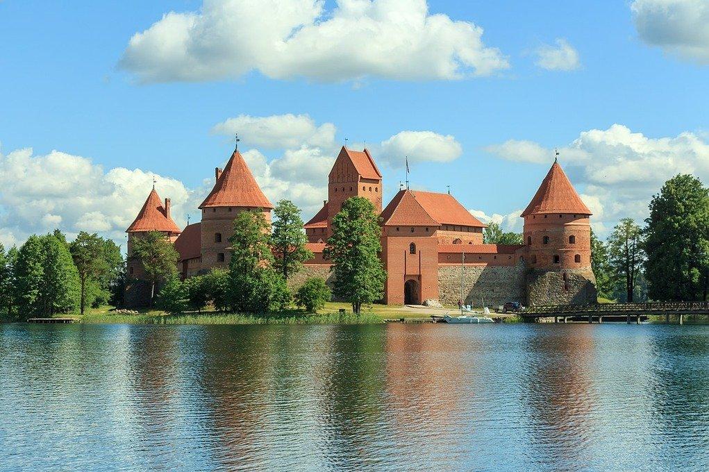 Картинки по запросу Музеи Литвы станут бесплатными один день в месяц