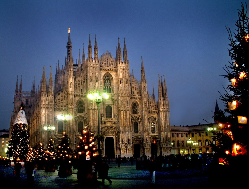 christmas-in-milan-italy.jpg