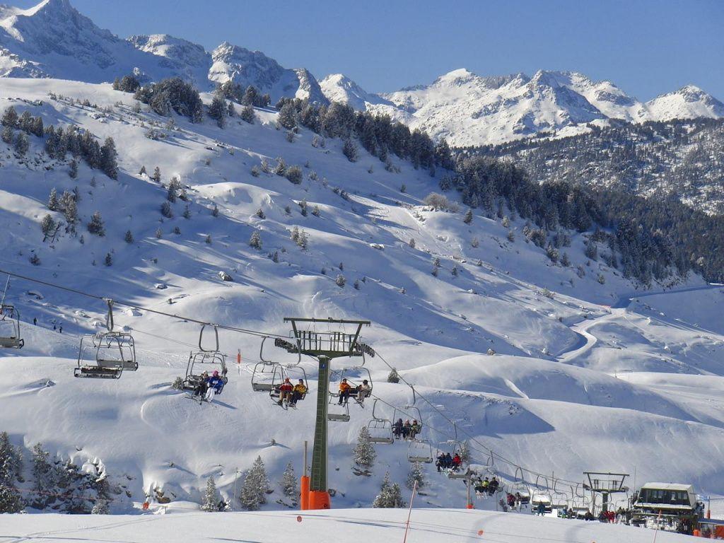 Лучшие-горнолыжные-курорты-Европы-Бакейра-Берет-3.jpg