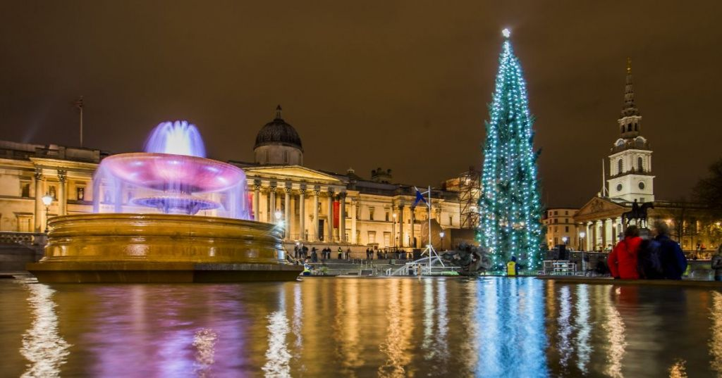 Trafalgar-Square-Christmas-tree.jpg